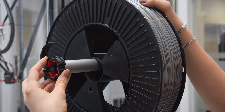 loading filament 1